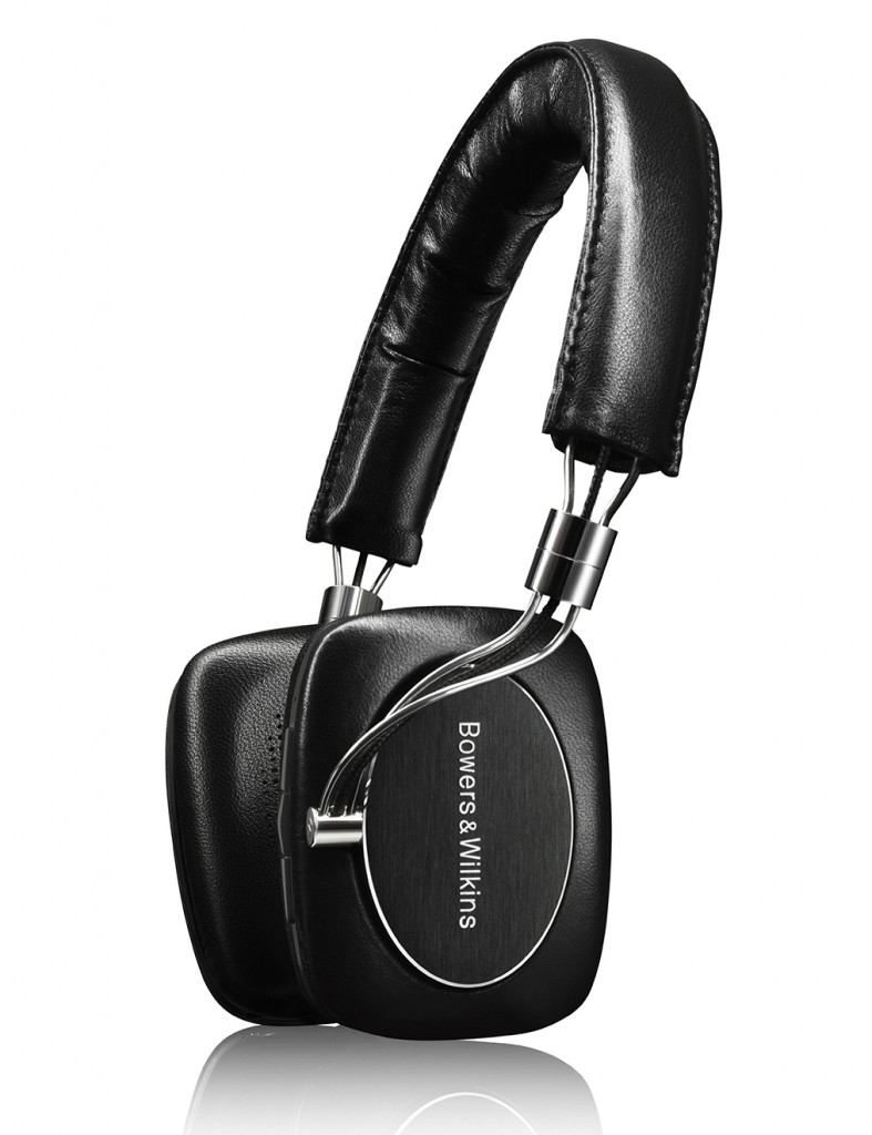 bowers-wilkins-p5-wireless-headphones-analie-cruz-e1435773038705-787x1024