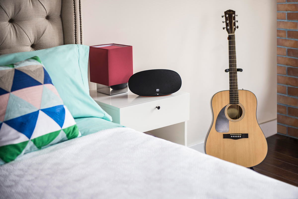 JBL_Playlist_Lifestyle_Bedroom_0001_2