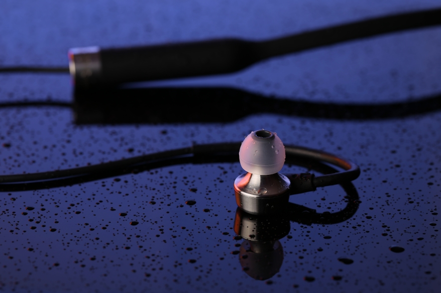 MA750-Wireless-Sweatproof